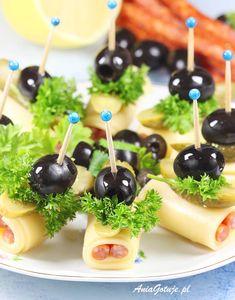 Koreczki | AniaGotuje.pl Tapas, Brunch, Cafe Food, Buffet, Christmas Desserts, Caramel Apples, Food Art, Cake Recipes, Breakfast Recipes