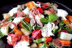 Välimerellinen mansikka-mozzarellasalaatti Caprese Salad, Mozzarella, Food And Drink, Insalata Caprese