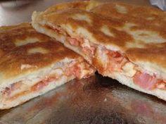 Ideja za ručak: Punjene lepinjice Cookbook Recipes, Cooking Recipes, Serbian Recipes, Good Food, Yummy Food, Sweet Potato Chips, Bread And Pastries, Finger Foods, Healthy Snacks