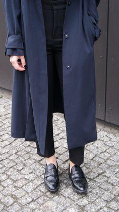 Mesmerize Fashion: IN DARK COLORS