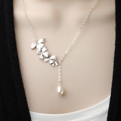 Perfect necklace for the bride and her bridesmaids. Pearl Bridesmaid Necklace - White Pearl Necklace -