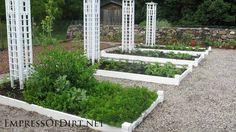20+ Ideas for your home veggie garden  - kitchen garden with trellis