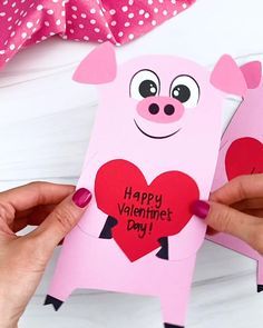 This cute pig Valentine craft is a fun activity for preschool, pre-k, and kindergarten children to do for Valentine's Day! Download the free printable template and make it at home or in the classroom! Homemade Valentines Day Cards, Valentine Day Video, Valentine Crafts For Kids, Valentines Day Activities, Valentine Day Crafts, Kids Crafts, Craft Projects For Kids, Craft Activities For Kids, Preschool Crafts