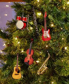 The realistic Handcrafted Musical Instrument Ornament is the perfect gift for the musician in your life. Whether you just started playing this year or have been