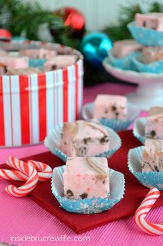 Chocolate Chip Candy Cane Fudge - easy candy cane pudding fudge with candy cane pieces and chocolate chips