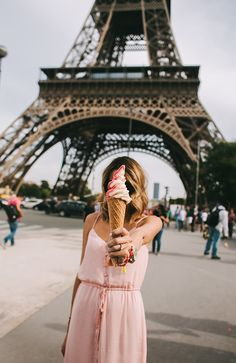 Take us to Paris! We wanna adventure around France with pink ice cream and take fun pictures like this! Anyone else ready for a vacation during the warm summer months?!