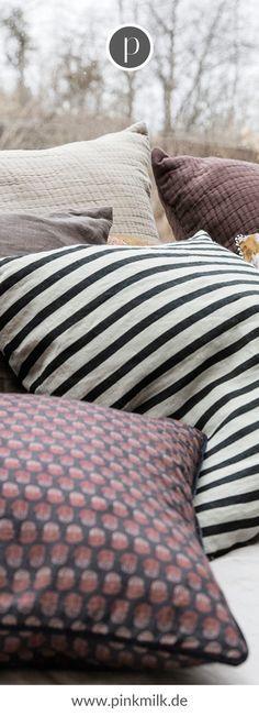 Kissen und Decken sind das Must-Have im Herbst und Winter! Das schöne Streifen Design im skandinavischen Stil ist eine tolle Deko für den Herbst. #herbst #deko #ideen #kissen #decken #gemütlich #inspiration House Doctor, Scandinavian Style, Kids Collection, Christian Films, Comforters, Carpet, Throw Pillows, Blanket, Winter