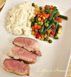Piept de rata cu legume mexicane Tuna, Carne, Plating Techniques, Fish, Meat, Pisces, Atlantic Bluefin Tuna