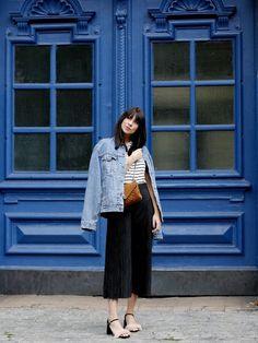 Berlin's Best Fashion Blogs To Follow  http://wie-hund-und-katze.com/outift-denim-blue-evenings-in-berlin/