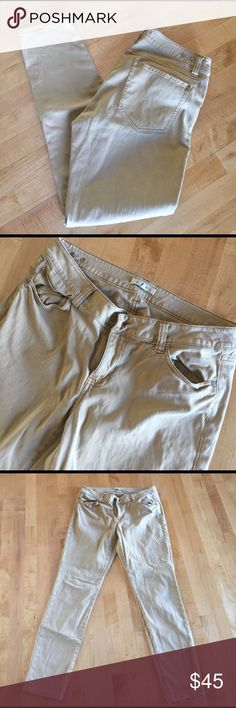 Tan/Gold CABI Skinny Pants 29 inch inseam. 98% cotton 2% spandex CAbi Pants Ankle & Cropped