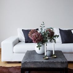 Our vases styled by @eklundstockholmnewyork #cooee #ballvase #esny