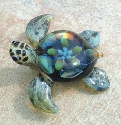 Baby sea turtle necklace glass beads pendant by RyanJesseeglass *get for mom Baby Sea Turtles, Cute Turtles, Turtle Baby, Turtle Jewelry, Turtle Necklace, Baby Animals, Cute Animals, Carapace, Turtle Love