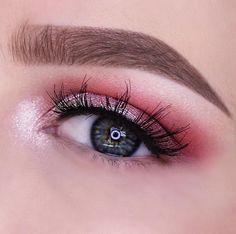 Soft Pink Eye Look Makeup Tutorial by Julia Van Dooren. Makeup Geek Eyeshadow in Cherry Cola, Simply Marlena, Sorbet and Tuscan Sun. Makeup Geek Foiled Eyeshadow in Whimsical. Makeup Geek Sparkler in Light Year.