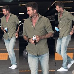 Estilo David Beckham, David Beckham Style, David Beckham Jeans, David Beckham Fashion, Smart Casual Menswear, Men Casual, Celebrity Summer Style, Sexy Tattooed Men, Men Style Tips