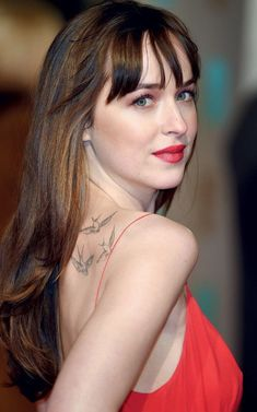 Dakota mayi johnson Dakota johnson style Dakota johnson hair Fifty shades of grey Anastasia steele 50 shades of grey Dakota mayi johnson Dakota johnson hair Strapless dress formal Dakota johnson street style Spirit awards Claire mccardell Style Dakota Johnson, Dakota Mayi Johnson, Dakota Jhonson, Jessica Chastain, Hollywood Celebrities, Shades Of Grey, Fifty Shades, American Actress, Beautiful Celebrities