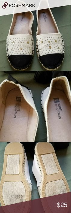 BLACK N WHITE SHOES In gOOd condition worn about 2 or 3x size 5 very cute White Mountain Shoes Flats & Loafers