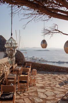 Inselhopping 180 sunset bar Mykonos Mykonos, Travel Inspiration, Table Decorations, Bar, Sunset, Home Decor, Greece, Destinations, Summer