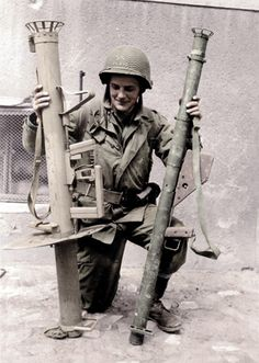 German Panzerchrek compared to U.S. Bazooka WW2 german weapons awesom
