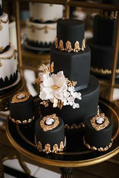 nice Wedding Cakes with Intricate Details - MODwedding