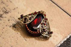 """Купить Брошь """"Мотыль фантазийный"""" - брошь, мотылек, фантазийный, красный, бронзовый, рубиновый, насекомое, подарок"""