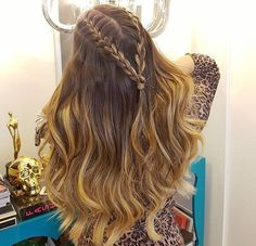 Hair tutorial blowout style Ideas for 2019 Prom Hairstyles For Long Hair, Box Braids Hairstyles, Long Curly Hair, Trendy Hairstyles, Cute Hairstyles With Curls, Hairstyles Videos, 1950s Hairstyles, French Braid Hairstyles, Teenage Hairstyles