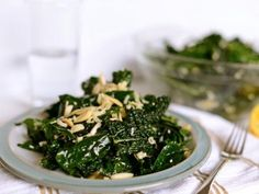 Healthy+Salad+Recipes+to+Help+You+Eat+Better+and+Stay+in+Shape+:+theBERRY