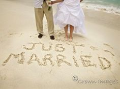 Beach Wedding. Doing this!!