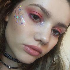 Makeup goals, makeup inspo, makeup tips, glitter face festival, glitter f. Makeup Goals, Makeup Inspo, Makeup Art, Makeup Inspiration, Hair Makeup, Makeup Tips, Eyeliner Makeup, Makeup Hacks, Beauty Make-up