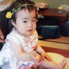 """""""First birthday of Mei""""  11.Aug.2014  8/10MEIの初お誕生日のお祝い。残念な事に京都でしたので、参加できず〜泣 でも、たくさんの可愛い画像が届きました。 ↑HIMARIのパパ撮影。お餅踏…座ってるけど〜笑 あんなに小さかったMEI…とても可愛らしく育ってるぅぅぅ♡"""