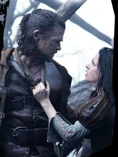 Don't blame ya Kristen. Chris Hemsworth and Kristen Stewart in Snow White and the Huntsman