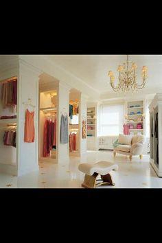 21 Elegant And Gorgeous Walk-In Closet Designs - Top Inspirations Walk In Closet Design, Closet Designs, Celebrity Closets, Celebrity Houses, Closet Bedroom, Closet Space, Dream Bedroom, Exposed Closet, Dressing Room Design