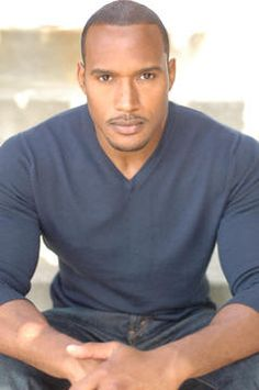 Henry Simmons...<3
