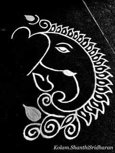 Simple Ganesa with white kolam Rangoli Side Designs, Rangoli Designs Latest, Simple Rangoli Designs Images, Small Rangoli Design, Colorful Rangoli Designs, Rangoli Ideas, Unique Mehndi Designs, Rangoli Designs Diwali, Beautiful Rangoli Designs