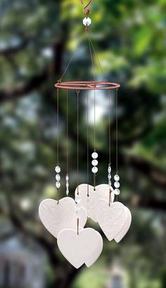 40 DIY wind chime ideas for this summer - bored artDIY Wind Chime Ideas For This Summer to make a baritone wind chimeBaritone wind chimes give the sounds of your garden a nice deep Valentine's Day Crafts For Kids, Diy And Crafts, Arts And Crafts, Children Crafts, Diy Clay, Clay Crafts, Carillons Diy, Make Wind Chimes, Saint Valentin Diy