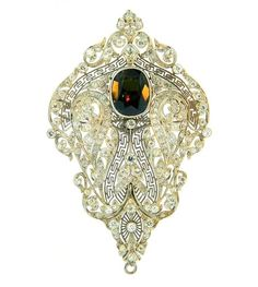 Art Deco Alexandrite, Diamond & Platinum Brooch/pendant - 1920's.