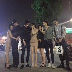 Guy on the right, feel sorry:( ulzzang Korean Boys Ulzzang, Ulzzang Korea, Cute Korean Girl, Ulzzang Couple, Ulzzang Girl, Moda Pop, Boy Squad, Korean Best Friends, Korean Couple