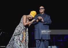 Photo d'actualité : Singer/songwriters India.Arie and Stevie Wonder...