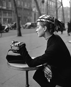 Capucine - café de la Paix, 1952 - I went there with Mr. Sandifer in 1986 - he was like a 2nd Dad to me :) Vintage Photography, Hats, Fashion, Moda, Sombreros, Hat, Fasion, Vintage Photos, Caps Hats