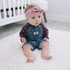 Someone's starting to sit up on her own... And wear overalls. #toomuchtohandle by kaleymunday
