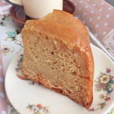 Bizcocho fitness de manzana, hecho con harina de avena, clara de huevo y stevia. 🔹Ingredientes: 🔸300 gr. de harina de avena 🔸1 yogur desnatado de manzana 🔸5 claras de huevo 🔸2 manzanas medianas pel…