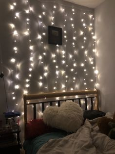 30 Beautiful DIY Fairy Light for Minimalist Bedroom Decoration