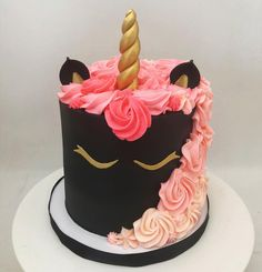 A classy unicorn cake Credits: Crazy Cakes, Fancy Cakes, Pretty Cakes, Cute Cakes, Black Unicorn Cake, Cake Decorating Techniques, Birthday Cake Girls, Girl Cakes, Cake Designs