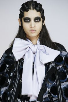 See detail photos for Marc Jacobs Fall 2016 Ready-to-Wear collection.