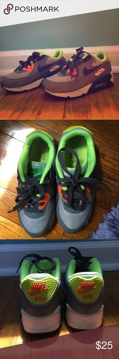Youth Nike Air Max Sneakers!! Youth Nike Air Max 90 Mesh Sneakers! ✅In good condition ➖Sizing: US 1Y ER 32 ➖worn a handful of times , lots of life left! Nike Shoes Sneakers