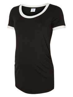 Cool jersey maternity t-shirt from MAMALICIOUS. Style it with a pair of jeans and a cool pair of sneaks.