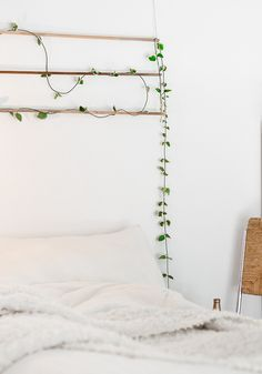 "Blog Atelier rue verte / DIY / Une suspension ""verte"", murale en tête de lit / Photo Agata Dimmich"