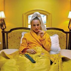 💛🔥 Thursday #yellow #natalieportman #love #wishiwasinbed #colour #morning #bed #inspo #fashion #design #hotel #towelhair #style