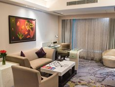 Le Meridien Suite is for an indulgent traveller who likes to travel in style, comfort and personal luxury. Our guests get to avail one way Airport transfer as well lounge benefits in our magnificent Club Lounge.