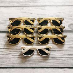 Personnalisé lunettes de soleil, lunettes de soleil Custom, Bachelorette mariage lunettes, Bach Bash, Bachelorette cadeau, lunettes de soleil Wayfarer