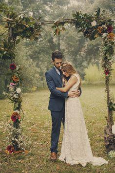30shootingbucolico Cumbres Borrascosas Boho, Couple Photos, Couples, Wedding Dresses, Crafts, Fashion, Valentines Day Weddings, Bridal Pics, Gardens